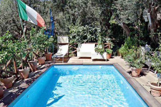 piscina-hotel-villa-bellavista