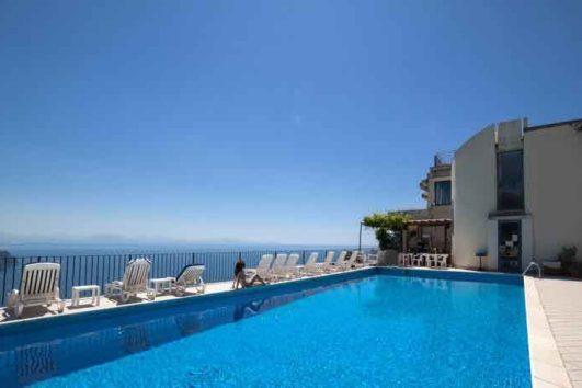 piscina-hotel-graal