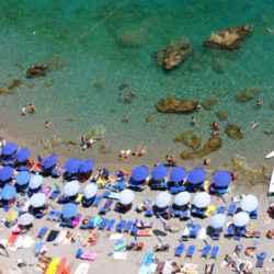 spiaggia sabbiosa costiera amalfitana