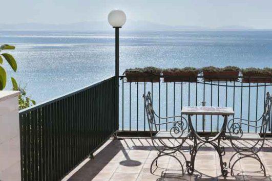 terrazza-hotel-bristol-vietri-sul-mare